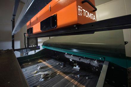 Equipamento Titech Autosort para separação de resíduos plásticos