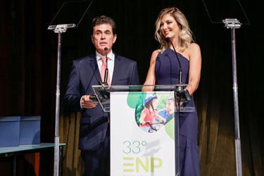 José Ricardo Roriz Coelho e Ticiane Pinheiro ( apresentadora do programa Hoje em Dia da TV Record)